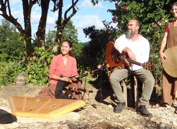 Concert à histoire à Sengougnet, au Labyrinthe Créagire