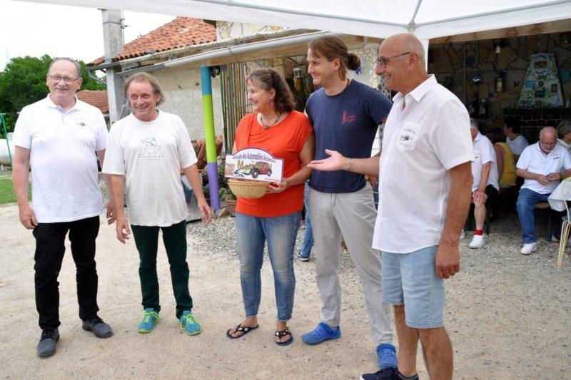 De g à d : B. Bonzom, Werner, Karin et Daniel Mazanek, JP Chambrillon, président délégué des 3A.