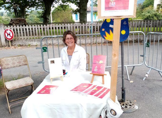 Brigitte Le Moël a signé son livre sur le marché d'Aspet
