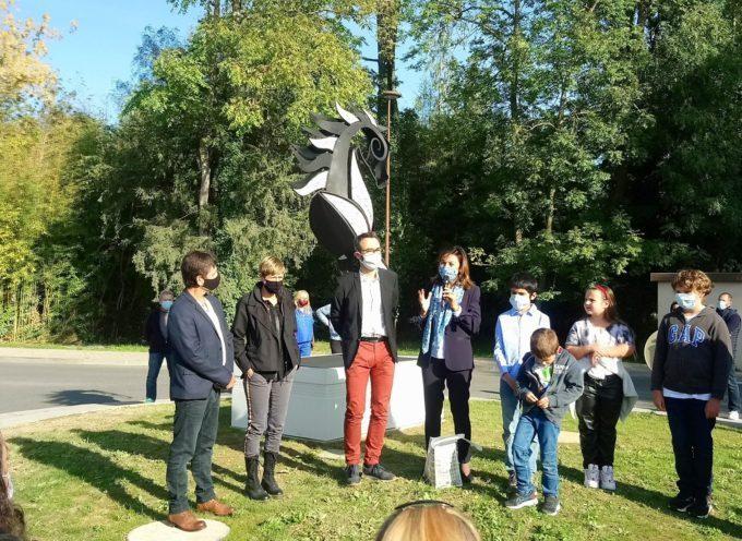 Carole Delga et Loïc Gojard ont inauguré le cheval en fer forgé et faïence en hommage à Saint Vidian