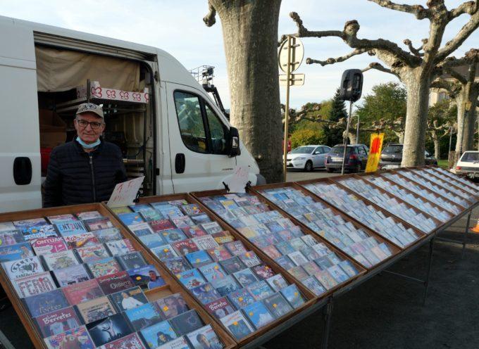 Montréjeau : Le clin d'œil nostalgique du marché, Francis et ses CD