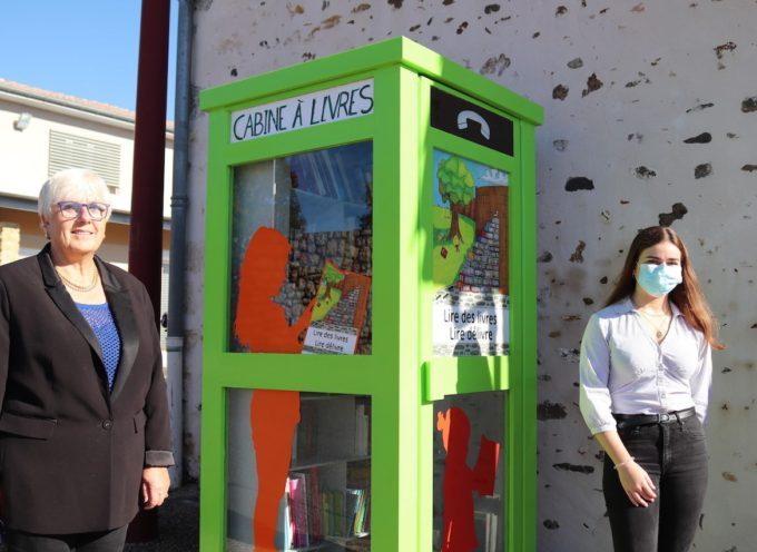 Landorthe : Une autre vie pour la cabine téléphonique