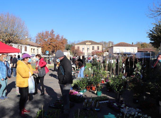 Labarthe-Inard : Gros succès du marché le dimanche matin