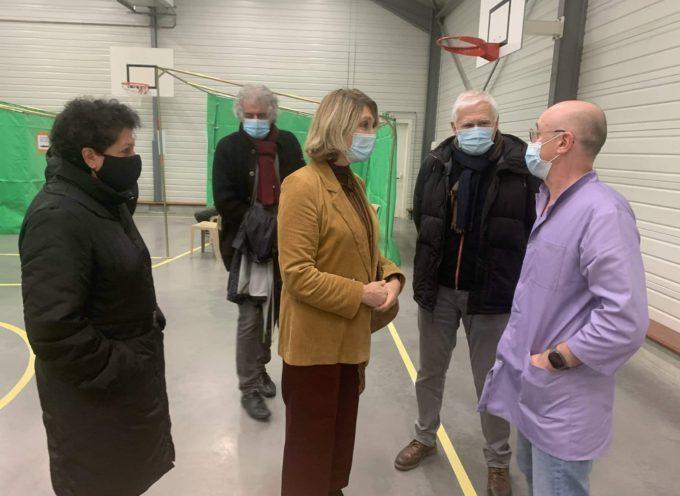 La députée Toutut-Picard a visité le centre de vaccinations d'Auterive