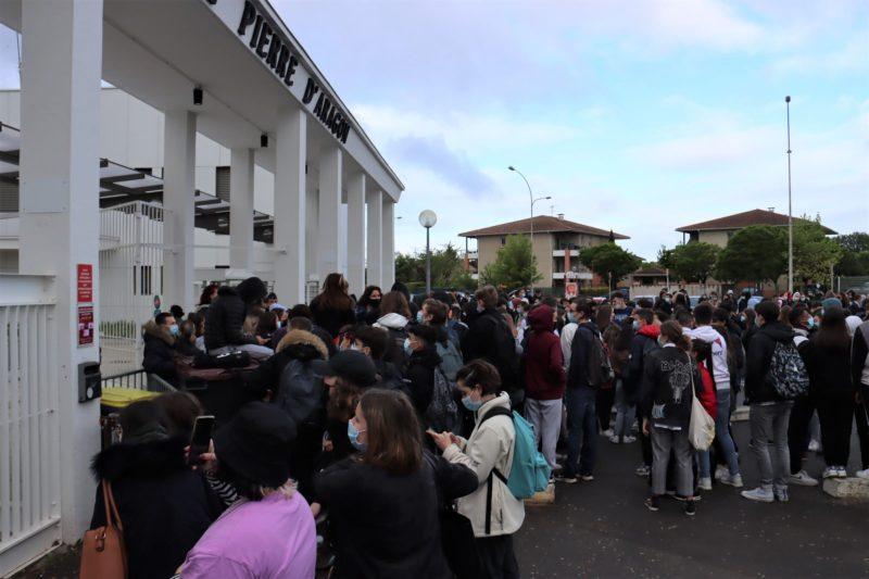 Blocage devant le lycée