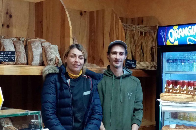 Laetitia et Rudy, boulangers pâtissiers recherchent une vendeuse.