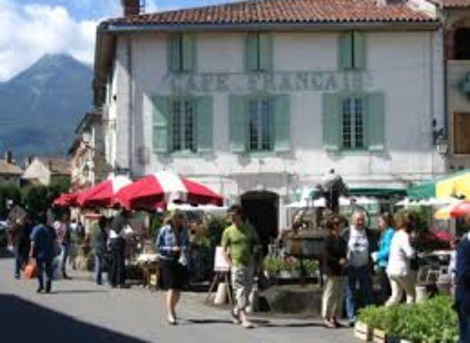 Europe Ecologie Les Verts en campagne à Aspet jour de marché!