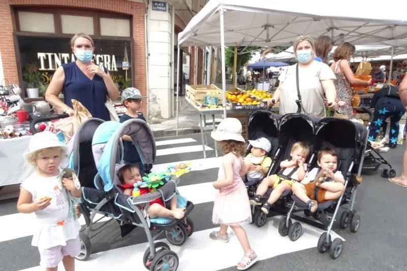 Tous les mercredis les petits de la Maison des Assistantes Maternelles de Boulogne se promènent au marché.